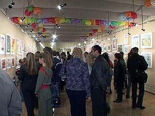 """Выставка детских рисунков прошла в галерее """"Нефта"""""""