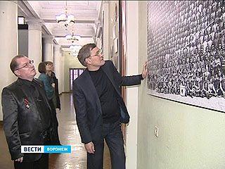 Выставка одной фотографии - в фойе Воронежского театра оперы и балета