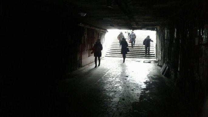 После крупного пожара в оживлённом переходе в Воронеже возбудили уголовное дело