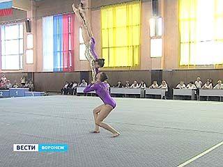 Юные акробаты поборются в Воронеже за путевку в Европу
