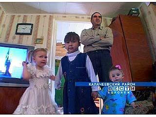 Юрий и Елена Догмаджян теперь воспитывают пятерых детей