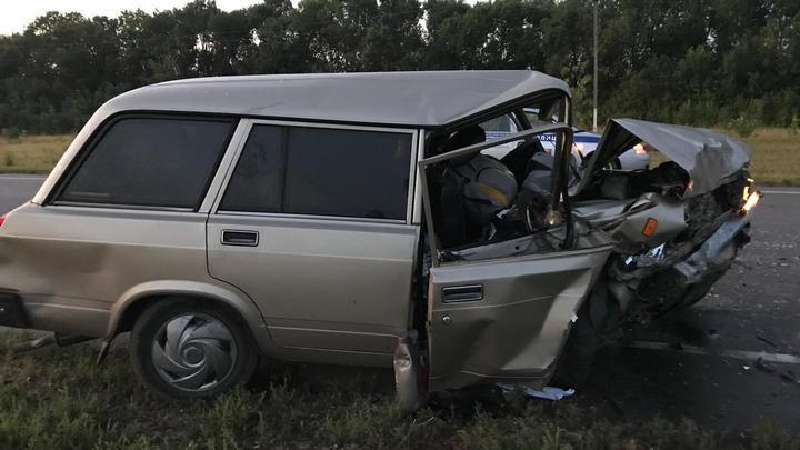 В Воронежской области 2 семьи с детьми попали в ДТП: 1 человек погиб и 6 пострадали