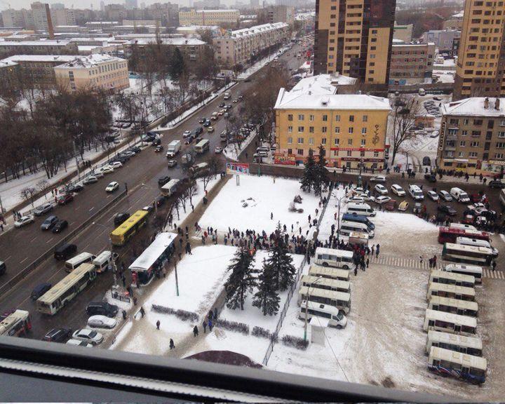 ФОТО: В Воронеже из-за сообщения о заминированном автобусе эвакуировали автовокзал