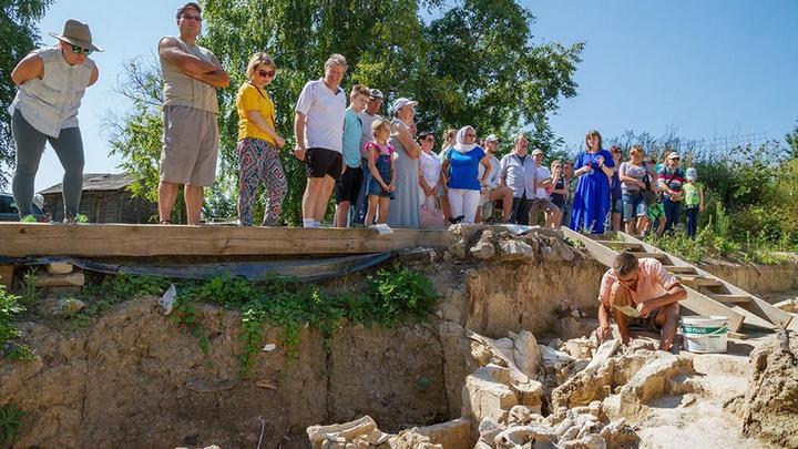 Воронежцев позвали на раскопки древнего жилкомплекса из костей мамонта