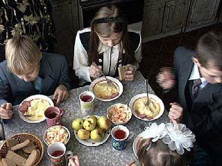 Завершаются выплаты многодетным семьям социальных пособий за 2006 год