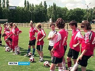 Женская сборная по футболу начинает подготовку к отборочным матчам Чемпионата Европы-2013