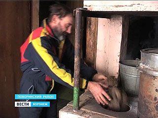 Житель Поворинского района знает, как отапливать жилище без газа, электричества и угля