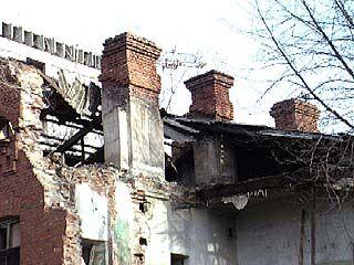 Жители аварийного дома получили квартиры в новостройках