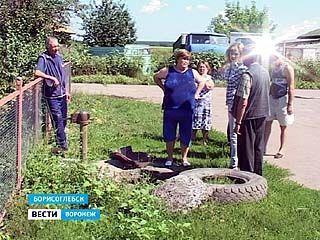 Жители Грибановки и коммунальщики не могут поделить воду