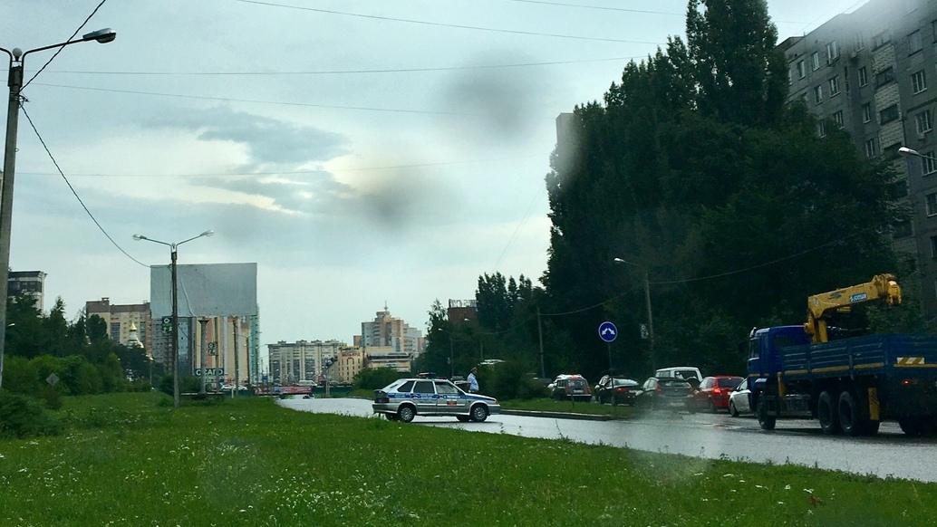 Движение под мостом в Северном микрорайоне Воронежа перекрыли из-за потопа