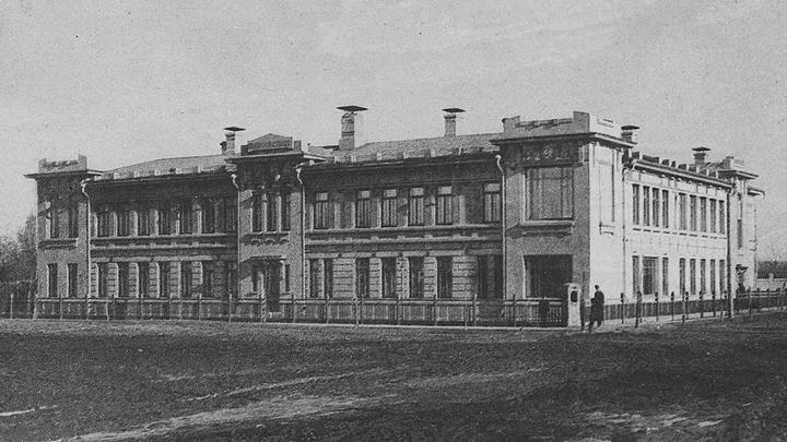 Август 1898 года. В Воронеже открыта Александро-Мариинская глазная лечебница