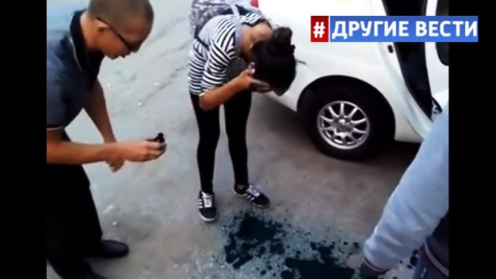 Хабаровский таксист заставил «умыться» зелёнкой пассажиров, не расплатившихся за проезд