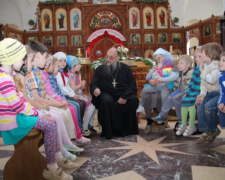 Мир меняют люди: Отец и дети. Как малыши из Луганска проходят реабилитацию на воронежской земле