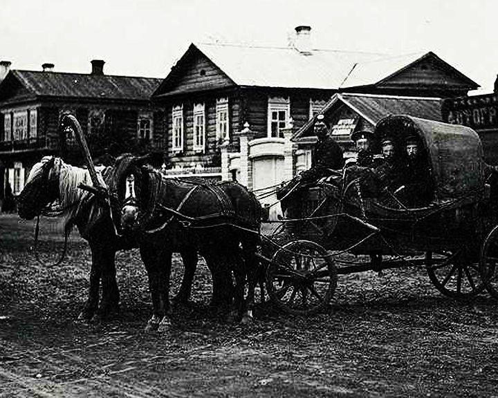22 февраля 1700 года установлена регулярная почтовая связь между Москвой и Воронежем
