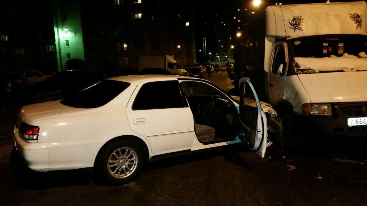 НаШишкова нетрезвый автомобилист налегковушке протаранил около 17 припаркованных машин