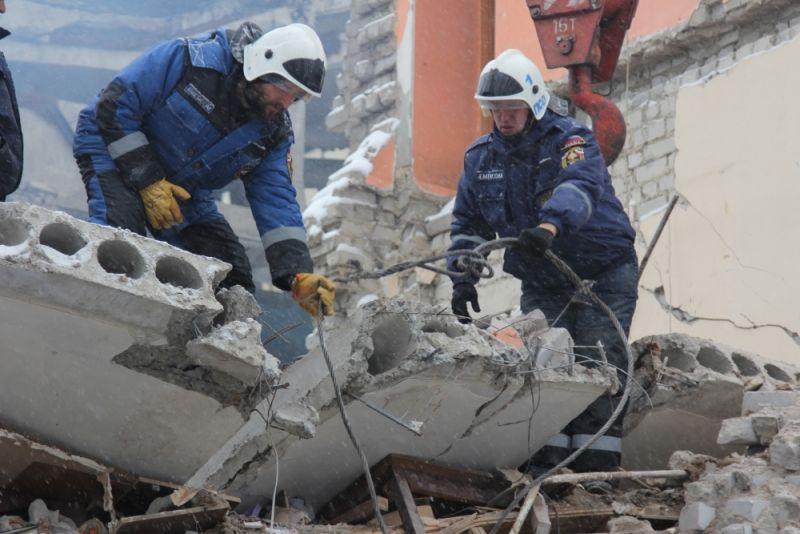 Под завалами здания, вкотором взорвался газ, отыскали труп 2-го погибшего