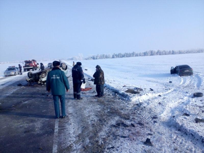 ВВоронежской области влобовом столкновении 2-х иномарок умер один изводителей