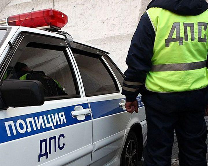 Воронежские полицейские спасли мужчину, упавшего без сознания наобочине дороги