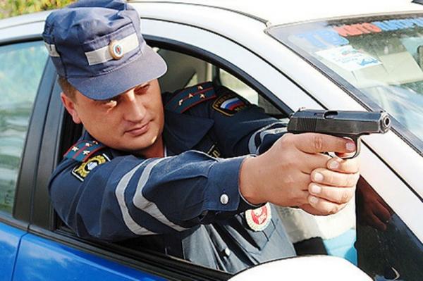 Воронежские полицейские устроили погоню сострельбой за нетрезвым водителем