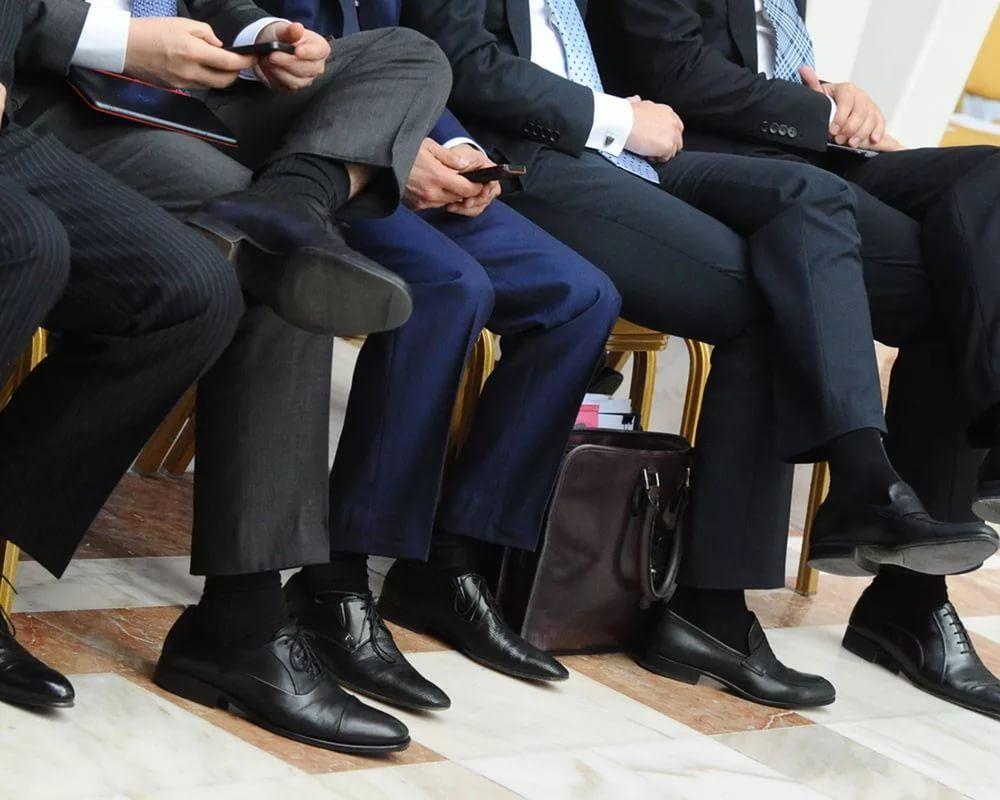 Русских чиновников вынудили отчитываться обактивности вглобальной сети