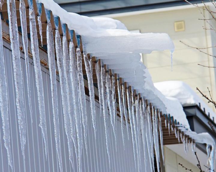 После обрушения льда наворонежцев против директораУК завели 5 дел