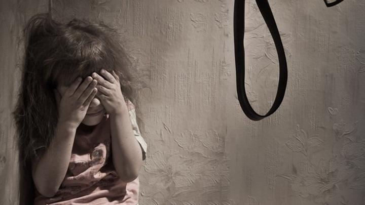 Жительница Воронежской области била иморила голодом 5-летнюю дочку