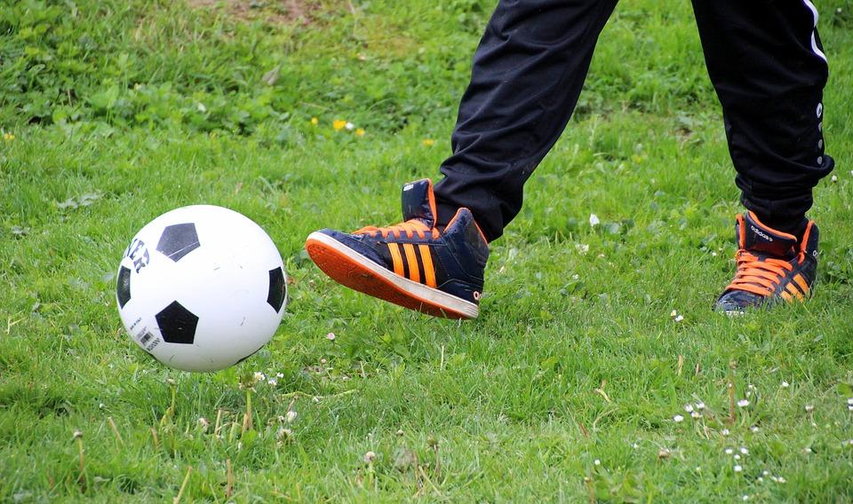 ВВоронеже 16-летний парень скончался вовремя игры вфутбол