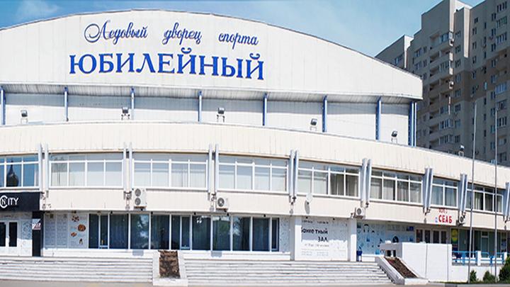 Вцентре Воронежа умужчины отобрали пакет с15 млн руб.