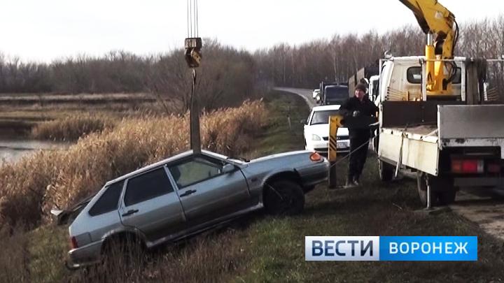 Под Воронежем автомобиль сбил насмерть 3-х человек