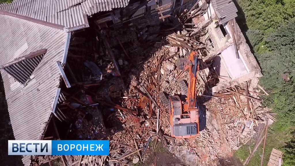 ВВоронеже приставы начали принудительный снос нежилого здания наулице Героев Сибиряков