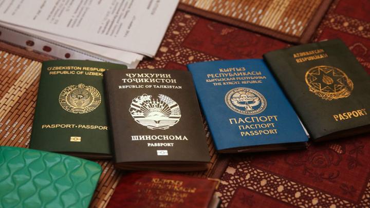 Депутат изВоронежской области прописал усебя дома мигрантов изАзербайджана